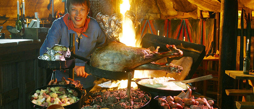 finland_lapland_levi_crazy_reindeer_hotel_lappish-meal-evening-in-hotels-kammi-hut.jpg
